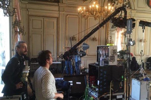 Le plateau est installé dans le Grand Salon du Palais du Gouvernement à Nancy.