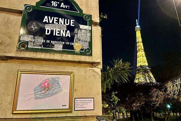 L'artiste présente sur son compte Instagram l'exposition de 50 masques dans les rues de Paris.