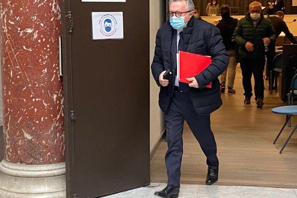 L'ex-président PS du conseil général des Bouches-du-Rhône Jean-Noël Guérini devant le tribunal correctionnel de Marseille.