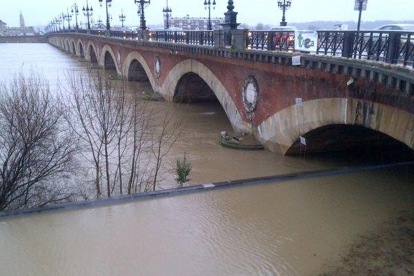Les quais de Bordeaux, le 1er février à 8H30
