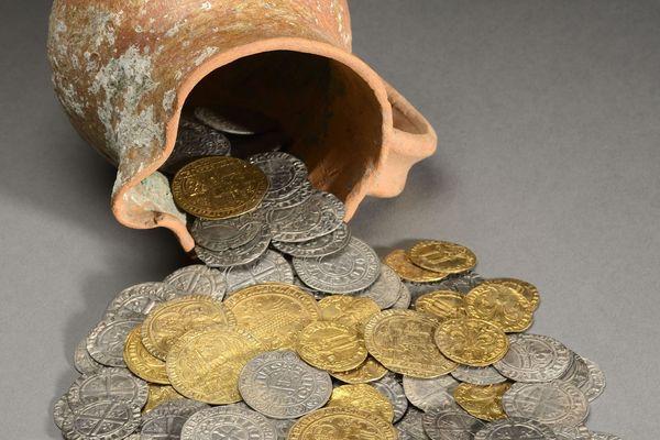 Le trésor de la place des Terreaux tel qu'il est présenté au Médailler du Musée des Beaux Arts de Lyon
