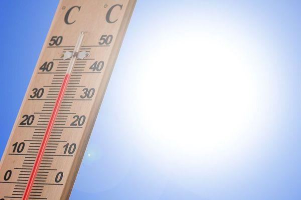 Les villes françaises de plus en plus confrontées à des températures caniculaires.