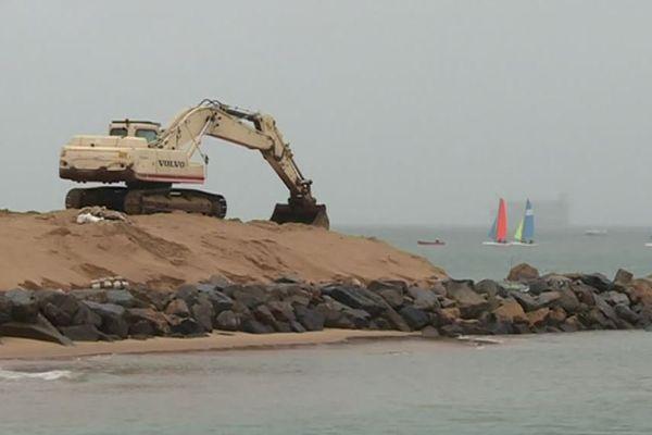 Les travaux de consolidation ont commencé sur le chenal de Boyardville sur l'île d'Oléron.