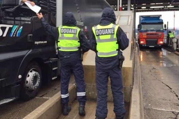 Ce mercredi 3 avril, les douaniers organisent une grève du zèle au péage du Boulou, sur l'A9.