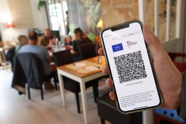 Le pass sanitaire sera demandé dans les restaurants, bars et cafés à partir du dimanche 1er août 2021.