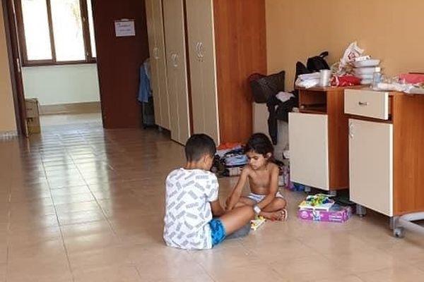 Les enfants sont livrés à eux-mêmes