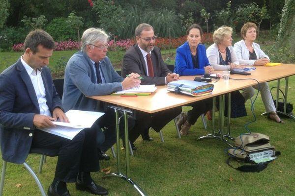 Ségolène Royal lors de la conférence de presse concernant l'incinérateur d'Echillais