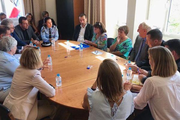 La ministre de la Cohésion des territoires à Porto-Vecchio pour une rencontre avec les acteurs locaux de la lutte contre les violences faites aux femmes.