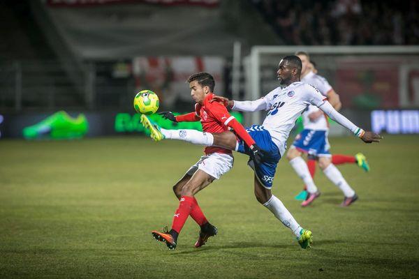 Face à Strasbourg, Sofiane Alakouch a reçu une superbe ovation quand Bernard Blaquart l'a remplacé à quelques minutes du coup de sifflet final.