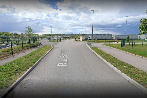 La rue Santoyon à Saint-Quentin-Fallavier où est située la plateforme du transporteur DSV air & sea.