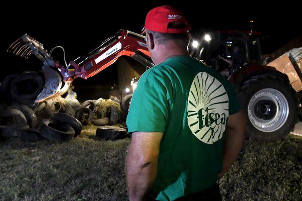 """Au début de la semaine une trentaine d'agriculteurs lançait, près de Toulouse, l'opération """"Feu de colère"""" afin de dénoncer les zones sans pesticides voulues par le gouvernement."""