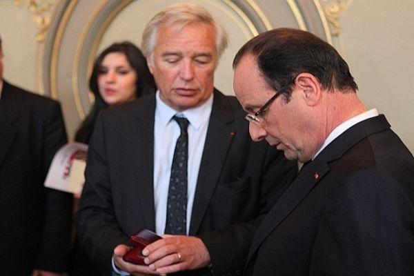François Rebsamen, sénateur-maire de Dijon, est un proche du président de la République qui a choisi Dijon pour inaugurer un nouveau style de communication avec les Français.