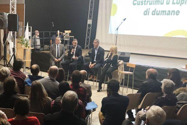 Jean-Louis Milani, Gilles Simeoni, Pierre Savelli et Emmanuelle de Gentili face aux habitantes et aux habitants de Lupinu
