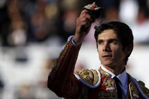 Le torero biterrois Sébastien Castella triomphe lors de la Féria de Pâques à Arles, dans les Bouches-du-Rhône - 26 mars 2016