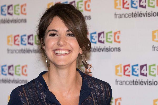 L'animatrice de Thalassa, originaire de La Bourboule dans le Puy-de-Dôme, a été victime d'un accident de montgolfière dans le Golfe du Morbihan lors d'un tournage de l'émission.