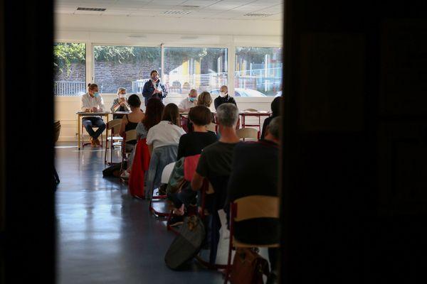 La rentrée scolaire des professeurs : ici au collège de l'Echange à Rennes