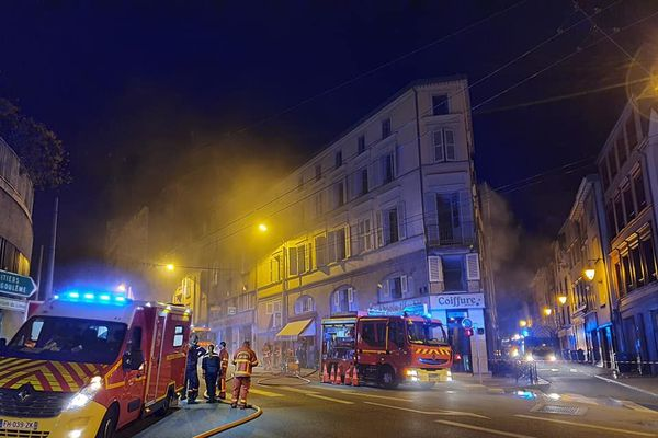 Incendie dans un immeuble rue Georges Dumas à Limoges.