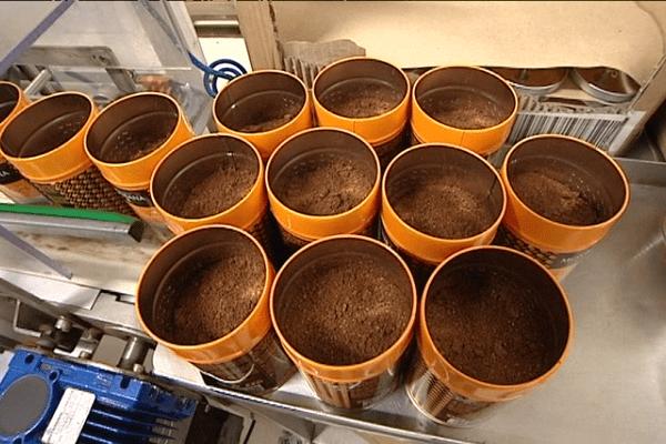 Le chocolat en poudre prêt à être envoyé à l'export à l'usine Monbana de Saint-Sauveur-des-Landes