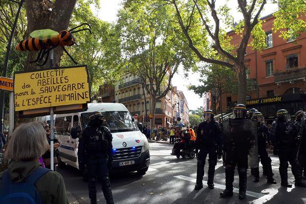 Les forces de police étaient à nouveau mobilisées ce samedi 12 octobre.