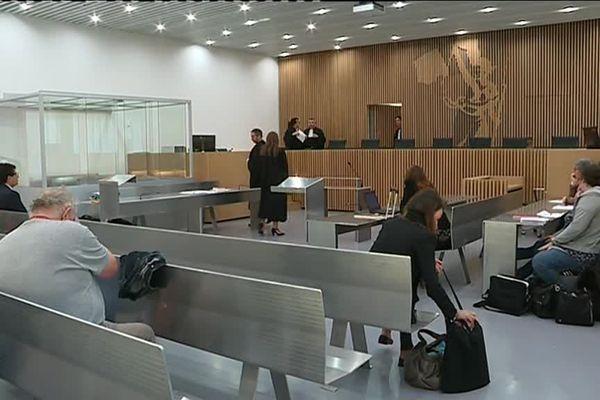 Tristan Duval devant le tribunal correctionnel de Caen pour violences conjugales aggravées