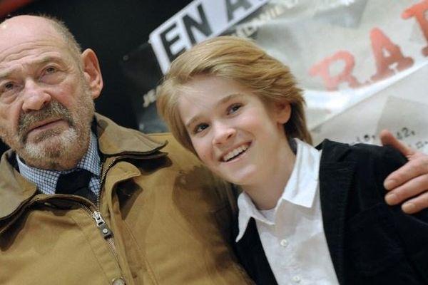 """Hugo Leverdez avec Joseph Weismann C'est ce jeune garçon qui avait interprété le rôle du """"Petit Jo"""" à l'écran (film La Rafle)"""