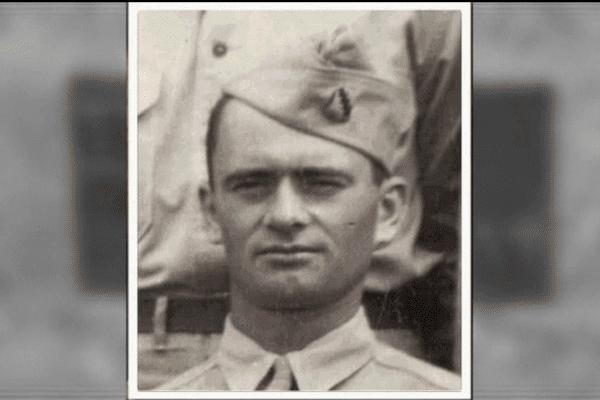 """Le soldat canadien Lawrence Gordon est inhumé par erreur au cimetière allemand de Huisne-sur-Mer. Sa famille veut désormais le """"ramener à la maison""""."""
