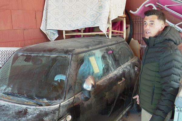 Loïc Videau et son épouse ne savent pas comment se débarrasser de cette voiture.