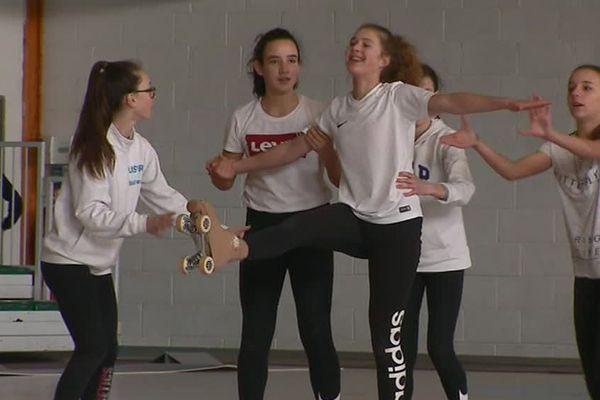 Les patineuses de Saintes (17), âgées de 12 à 16 ans, attendent avec impatience le début des championnats de France.