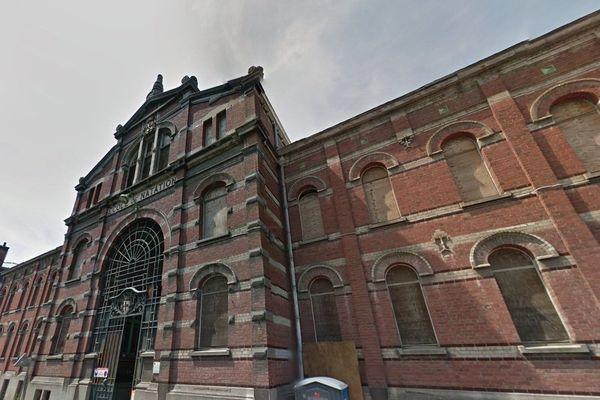L'institut du monde arabe est installé dans l'ancienne école de natation de Tourcoing.