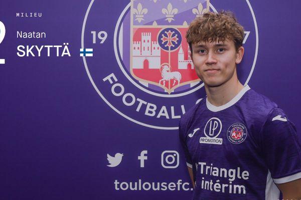 Le footballeur Finlandais Naatan Skyttä vient de signer au TFC : âgé de 18 ans c'est un meneur de jeu plein d'avenir.