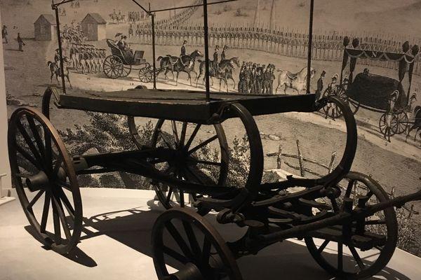 La calèche de Napoléon transformée en char funèbre pour ses obsèques à Sainte-Hélène.