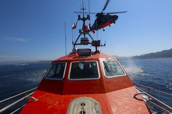 Les recherches par hélicoptère et vedettes SNSM suspendues au large de Saint-Nazaire, le dimanche 4 septembre 2017
