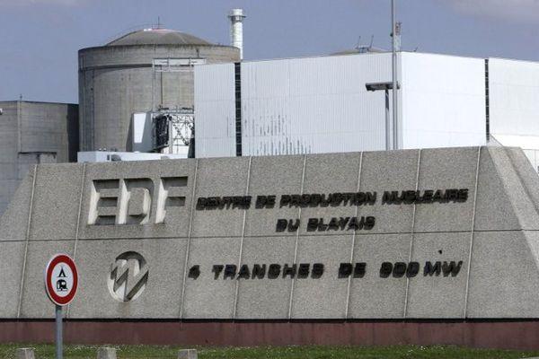 La centrale nucléaire du Blayais (Gironde), qui comprend quatre réacteurs de la filière à eau pressurisée. Photo prise le 2 juin 2006 à Blaye.