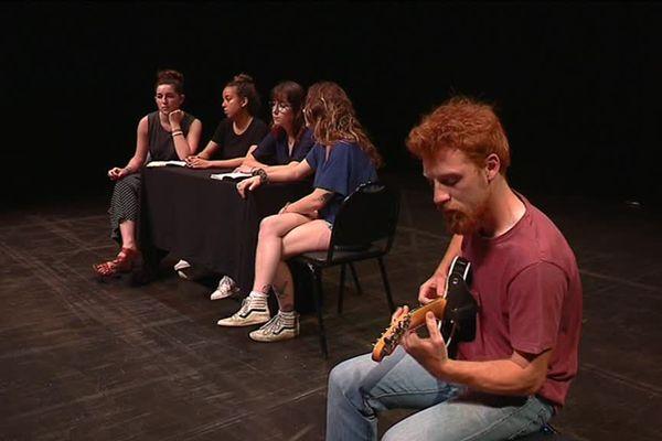 """Des étudiants et comédiens rochelais finalistes du festival """" Les étudiants à l'affiche"""""""