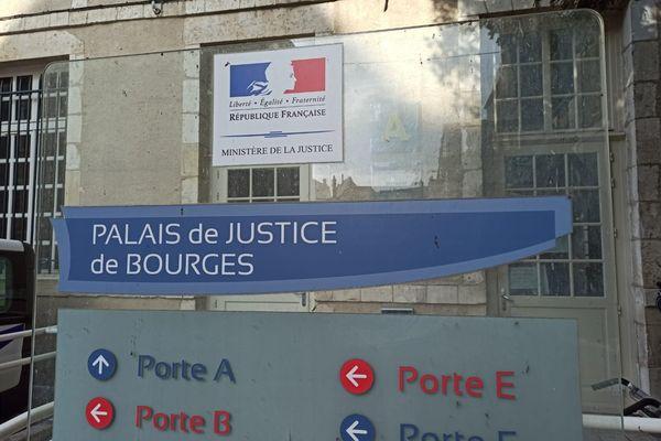 Le procès s'ouvre aujourd'hui au palais de justice de Bourges.
