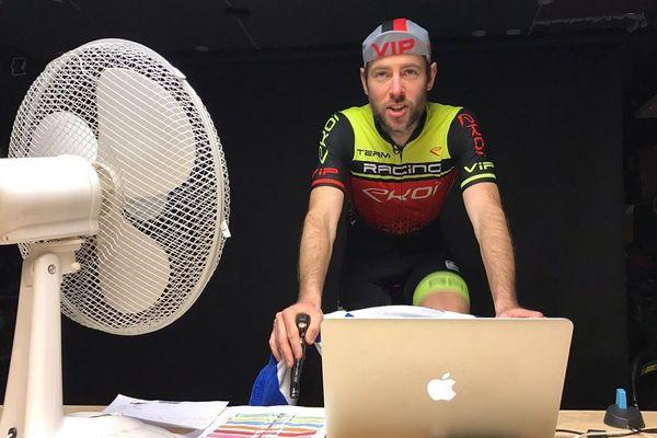 Une course cycliste en mode virtuel.