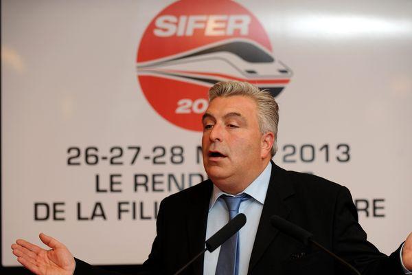 Frédéric Cuvillier lors du coup d'envoi au Grand Palais de la huitième édition du Salon international de l'industrie ferroviaire (Sifer).