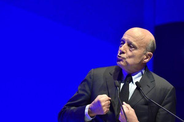 """Alain Juppé intervenant au salon """"Planète PME"""""""