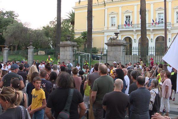 Ce samedi, les anti-passe ne pourront pas afficher leur désaccord avec les mesures du gouvernement, comme c'était le cas le 22 août dernier à Ajaccio devant la préfecture.