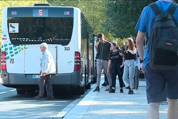 Transdev remplace Kéolis pour gérer les transports publics de la métropole de Nîmes entre 2019 et 2023.