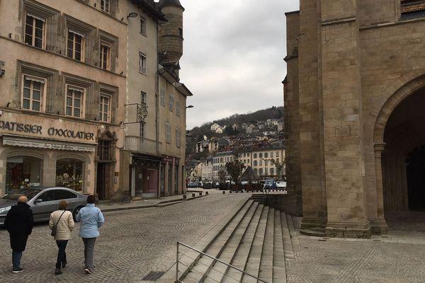 Le quartier historique de Tulle (Corrèze). C'est près de la cathédrale que devrait se trouver ce local de la Division Nationaliste Révolutionnaire (DNR)