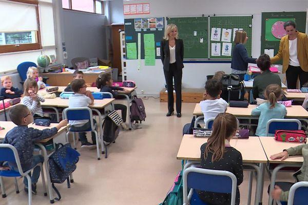 Cette école de Bois-Guillaume (Seine-Maritime) vient de rouvrir. Elle était fermée depuis le 26 septembre 2019, joue de l'incendie de l'usine Lubrizol de Rouen.