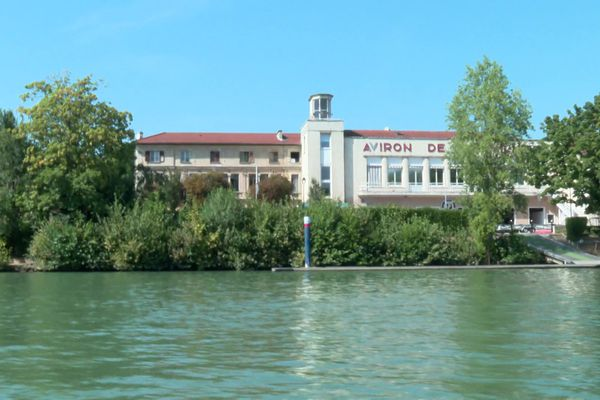 Le bâtiment principal de L'Aviron Marne & Joinville est en danger car il n'a jamais eu de réelle rénovation.
