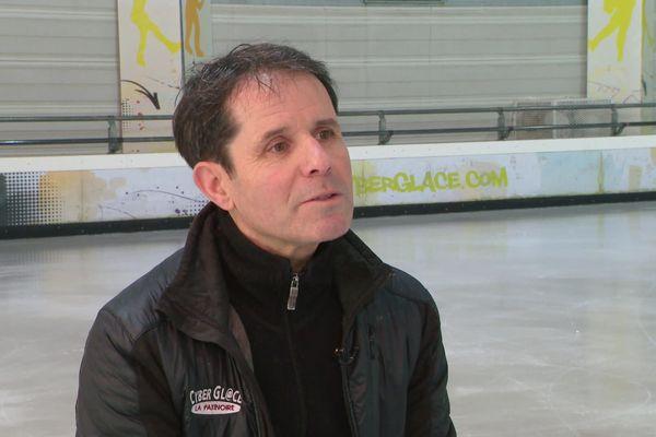 """""""Tout le monde savait sans savoir"""", l'ancien patineur Alexandre Riccitelli témoigne sur les accusations de harcèlement sexuel dans le patinage"""