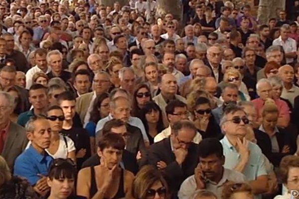 La foule et le public aux obsèques de Christian Bourquin à Millas le 29 août 2014