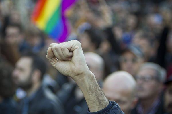 Selon l'association SOS homophobie, 64% des agressions homophobes s'expriment par des coups et blessures / Photo d'illustration