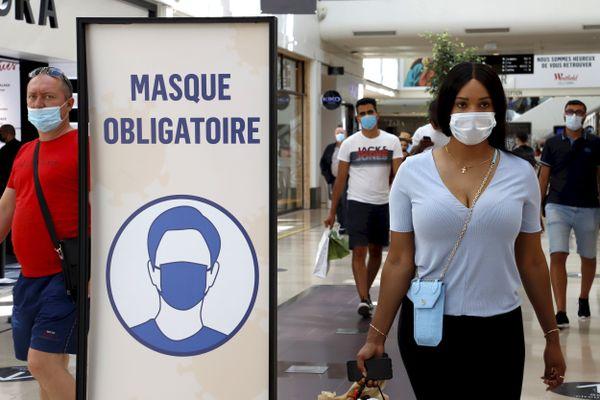 A partir de ce mercredi 19 août, le port du masque est obligatoire dans certains quartiers de Lons-le-Saunier et Dole.