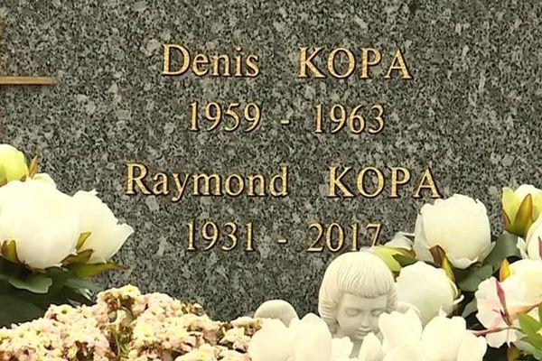 Raymond Kopa est enterré au Cimetière de l'Ouest à Angers