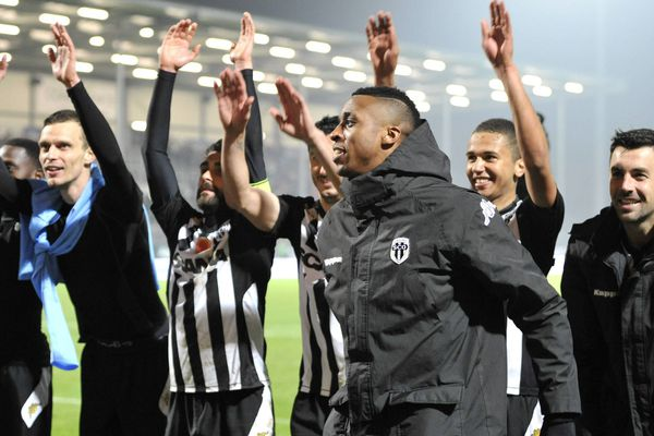 La joie des Angevins à l'issue du match contre Le Havre le 20 mars 2015