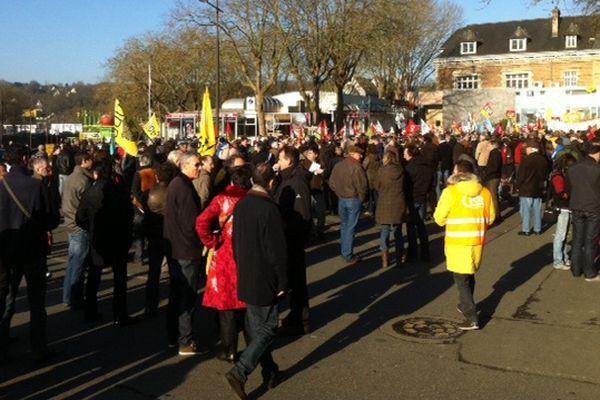 Plus de 2 000 personnes ont manifesté pour la défense de l'emploi dans la région